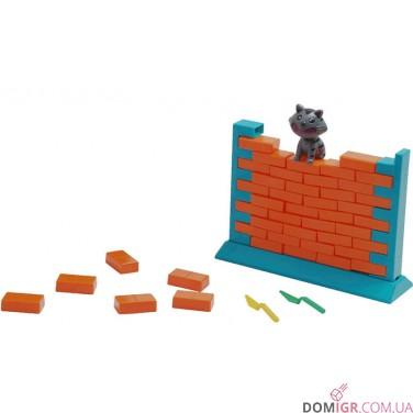 Киця на стіні