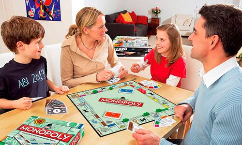 Семейная настольная игра Монополия